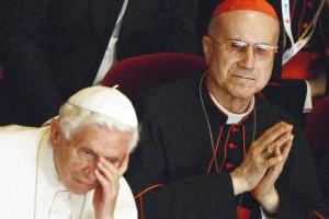 Benedicto XVI y Tarcisio Bertone